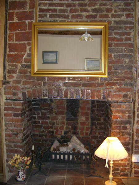 ornamentalfeaturefireplace.jpg
